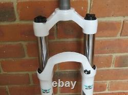 Mountain Bike Suspension Fork White XC28 26 inch Lockout 100mm Travel Air Bike